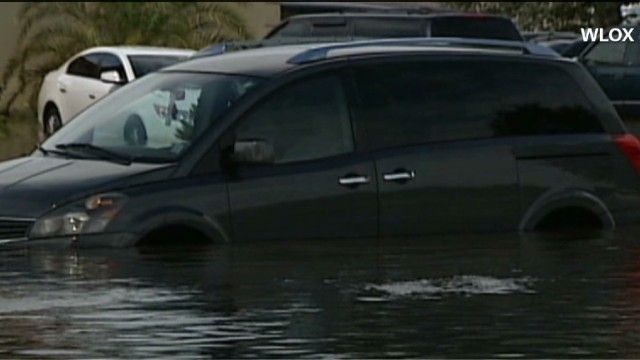 Rain swamps Gulf Coast, Southeast