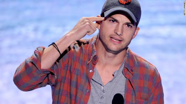 Ashton Kutcher speaks at the 2013 Teen Choice Awards