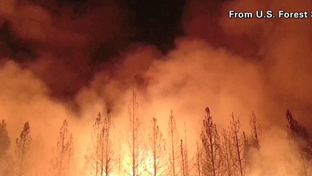 Rim Fire rages into Yosemite