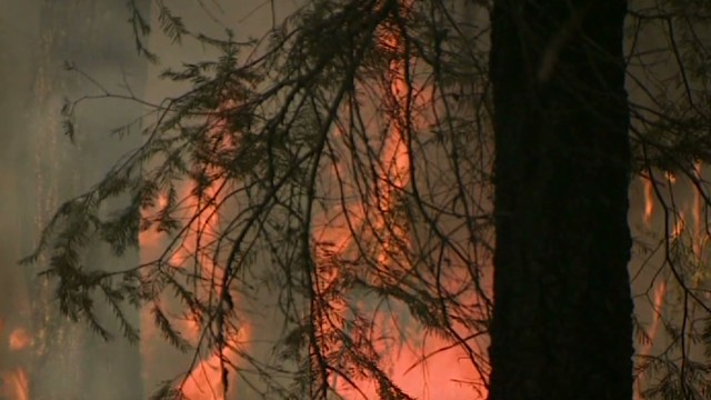 Yosemite wildfire scorches 144,000 acres