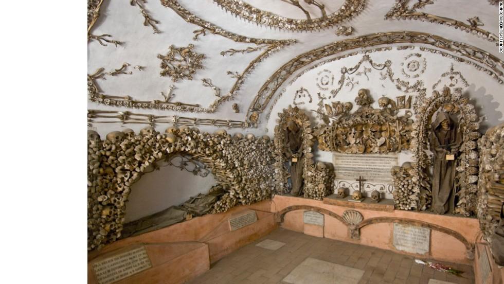 This labyrinth was built below the Santa Maria della Concezione dei Cappuccini church when the Capuchin order relocated in 1631.