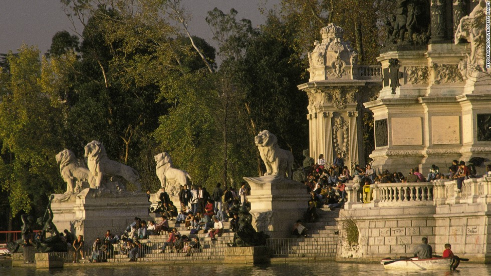 Parque del Buen Retiro is the ideal place to escape the hustle and bustle of Madrid life. First laid out in the 17th Century, it is renowned for its buildings and greenery, as well as a rare statue of the devil.