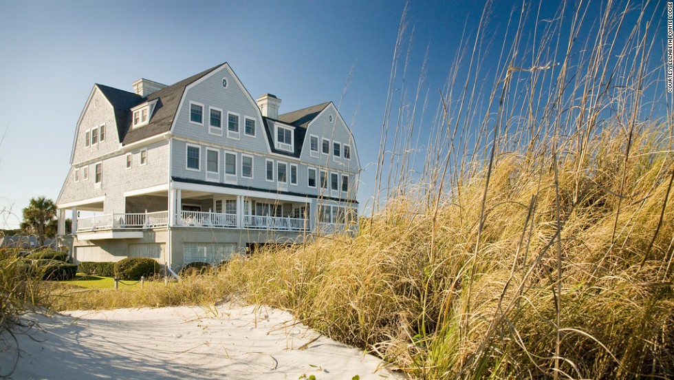 Each of the four suites of the nearby Ocean House opens onto a private deck. The Miller Cottage is built for families or groups, with two bedrooms and bathrooms, a living room, and a patio.