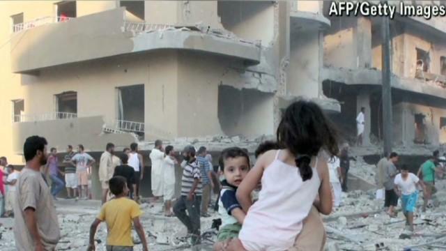Obama: Blames chemical attack on Assad
