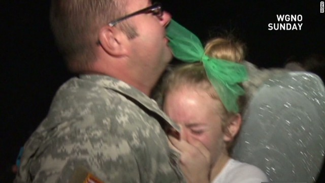 mxp vosot soldier surprises daughter at dance_00001923.jpg