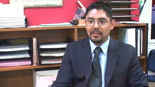 Undocumented immigrant fights for law license
