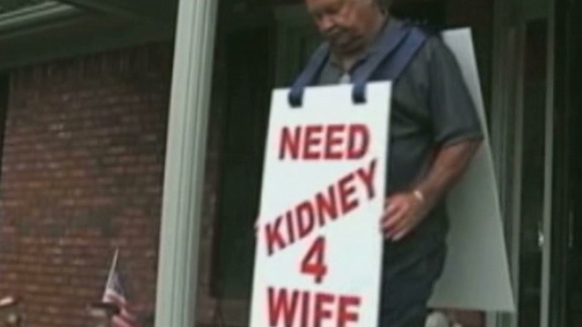 Larry Swilling advertised his wife's need for a kidney by wearing a sign