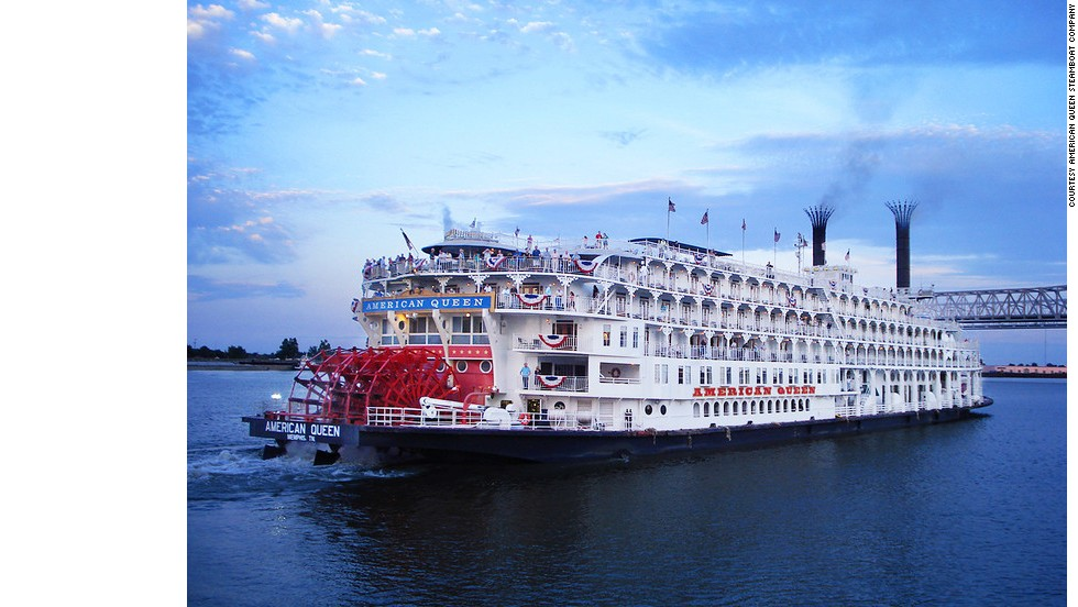 The American Queen Steamboat Company's Mississippi River cruise provides a history lesson in antebellum culture and southern cooking.