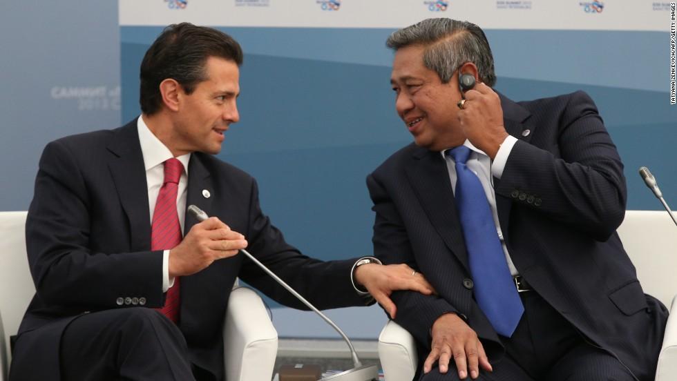 Mexico's President  Enrique Pena Nieto, left, talks with Indonesia's President Susilo Bambang Yudhoyono during a meeting on September 6.