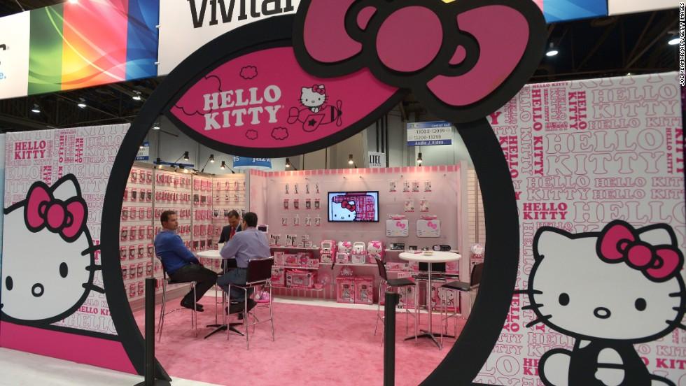 Hello Kitty Plush Toys : Hello kitty turns draws fans to convention