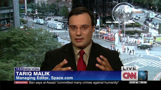 tariq malik/voyager interview _00010911.jpg