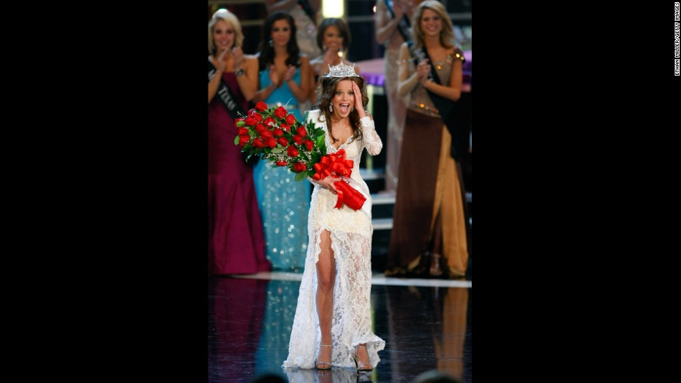 Katie R. Stam, from Indiana, reacts after being crowned Miss America 2009.