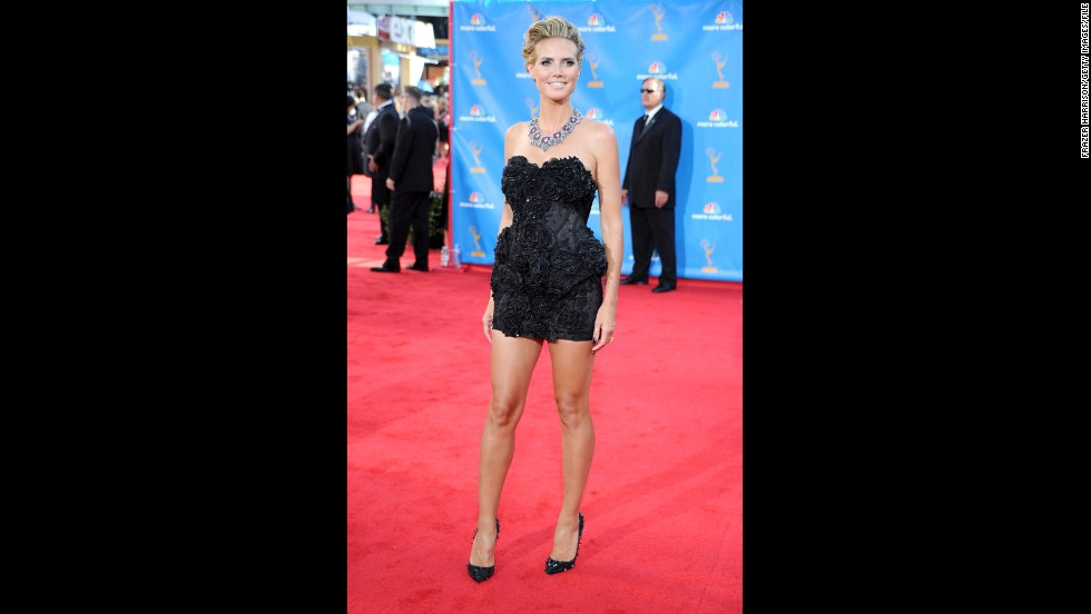 Heidi Klum always dares to be different. Where most opt for a longer dress, Klum rocked a fun mini to the 2010 Emmys.