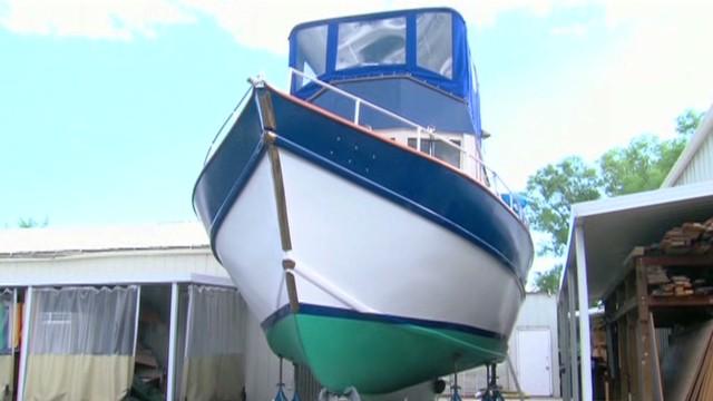 dnt boat in backyard_00005419.jpg