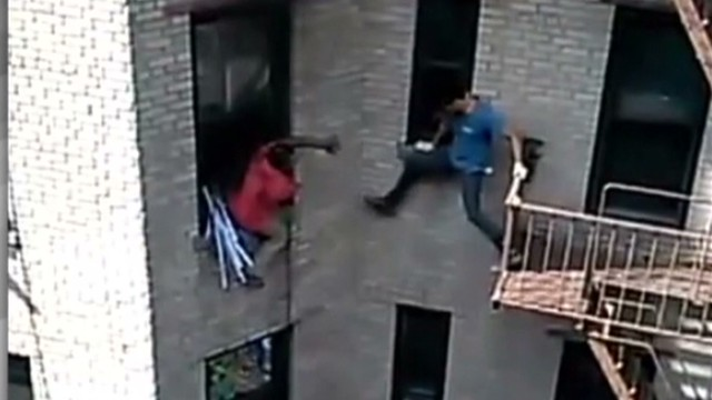 nr vo new york apartment neighbor rescue _00003514.jpg