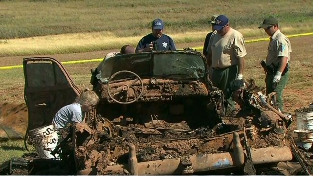 Cars found in lake could solve mystery