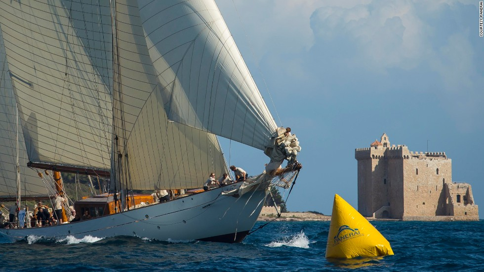 More than 100 yachts will take part, with the regatta split into three categories -- those built before 1950, those built before 1975, and those built after 1975 but using classic designs.