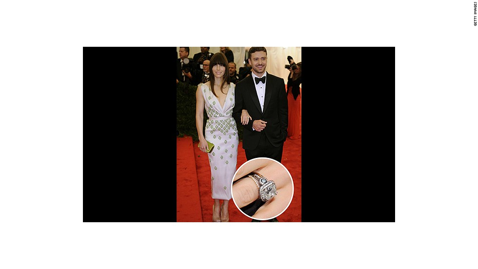 Justin Timberlake proposed to longtime girlfriend Jessica Biel with this vintage-inspired six-carat diamond.<br />