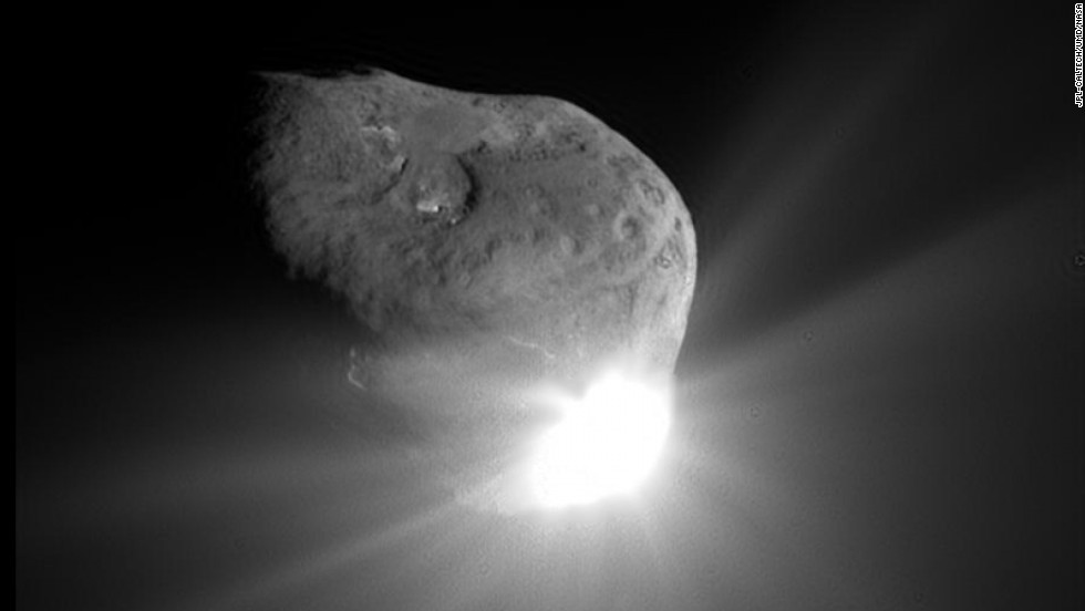 This photo was taken 67 seconds after the smaller craft and comet collided.