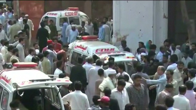 Bombers kill dozens at Pakistan church