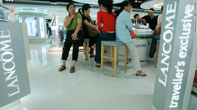 Fragrant standoff at DFS Hong Kong.