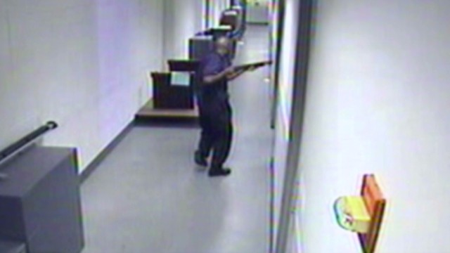 vo navy yard shooting surveillance fbi_00014601.jpg