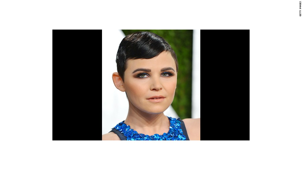 Ginnifer Goodwin is beautiful in blue with a makeup look created by Mai Quynh.