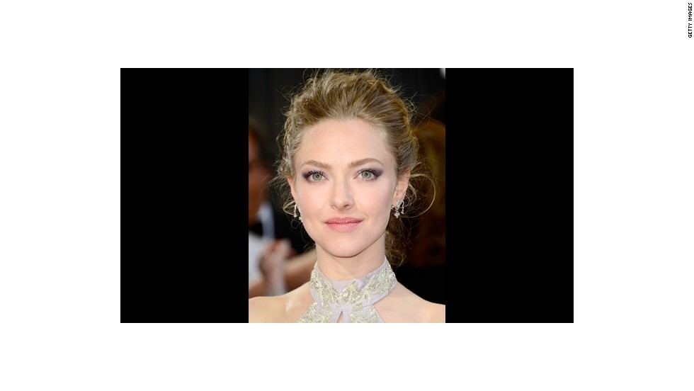 Amanda Seyfried's ethereal beauty was highlighted with lilac shadow and blush-toned lips by makeup artist Monika Blunder