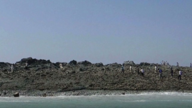 erin vo pakistan earthquake new island_00002610.jpg