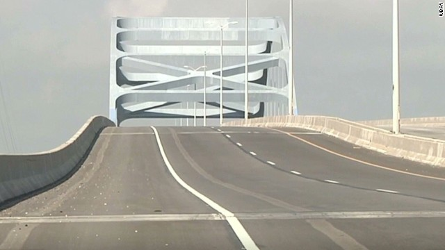 400-foot sag closes Wisconsin bridge