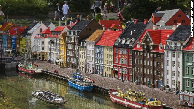 Look familiar? It's Copenhagen's Nyhavn district again (see top of page), this time as rendered at Legoland Denmark.