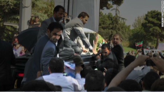 Shoe thrown at Iranian President