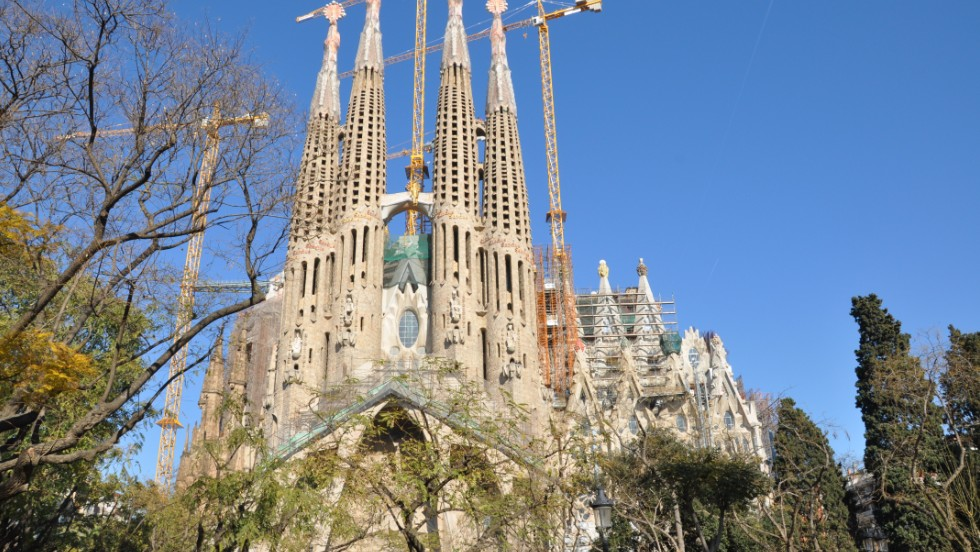 Barcelona held steady at eighth place on Travel + Leisure's 2014 best cities list, equaling its 2013 ranking.
