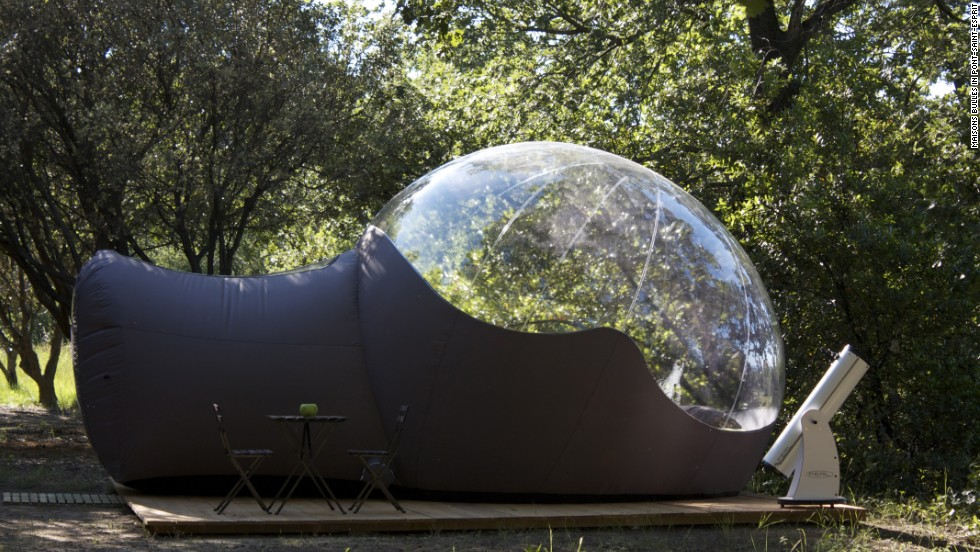 These small, transparent bubbles sleep two. Each has its own outdoor deck area, complete with telescope and star map.