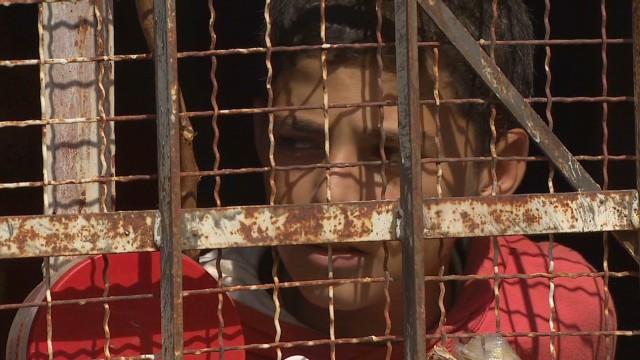 pkg damon lebanon syria refugees shelled_00023129.jpg