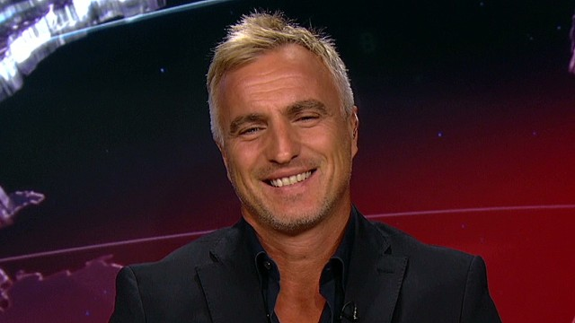 viewer questions to fmr footballer david ginola ctw intv anderson_00004923.jpg