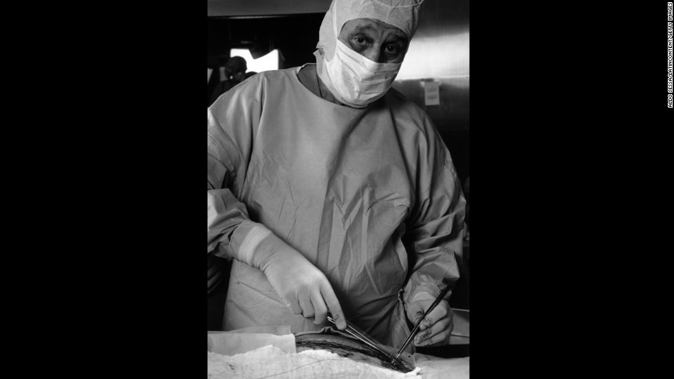 "Argentine Dr. Rene Favaloro became the first surgeon to perform a coronary bypass surgery on a patient suffering from coronary artery disease. ""Dr. Favaloro revolutionized the natural history and quality-of-life of patients with ischemic heart disease,"" an <a href=""http://www.circ.ahajournals.org/content/103/4/480.full"" target=""_blank"">obituary published in the journal Circulation</a> said. ""It is not surprising that Dr. Mason Sones once said that 20th century cardiology can be divided into the pre-Favaloro and the post-Favaloro eras."""