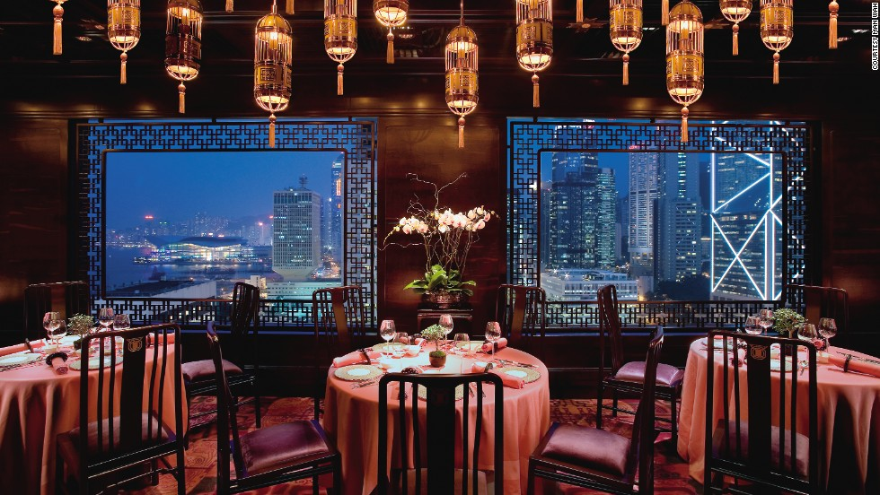 "<strong>10.</strong> <a href=""http://www.mandarinoriental.com/hongkong/fine-dining/"" target=""_blank"">Man Wah at the Mandarin Oriental</a> (Hong Kong)"