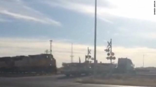 vo train slams into truck_00000921.jpg