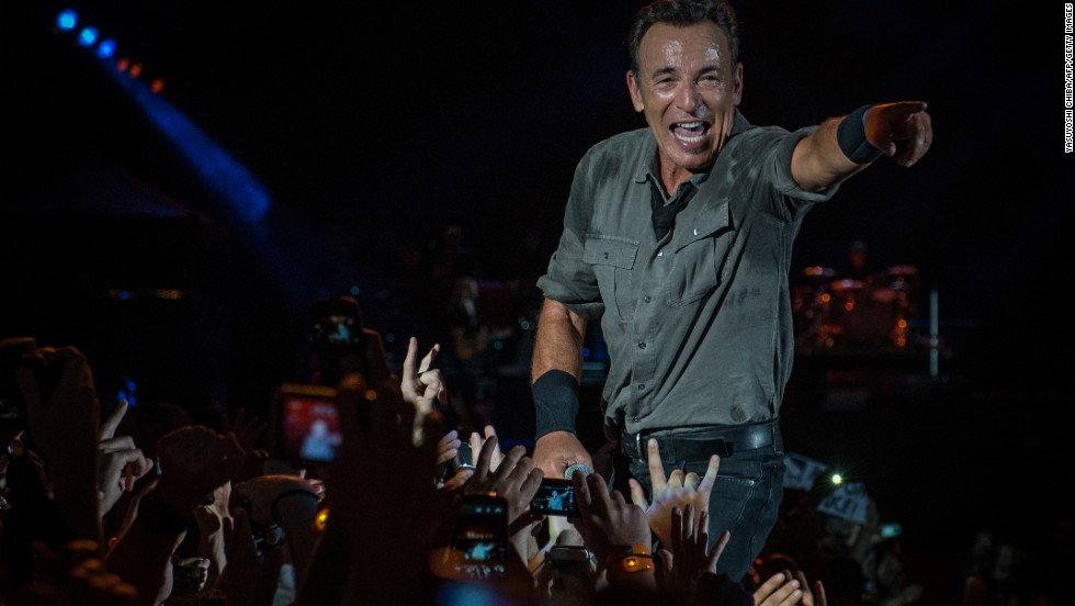 "Bruce Springsteen, 66, is sexy -- and he knows it, as he <a href=""http://www.rollingstone.com/music/videos/bruce-springsteen-covers-sexy-and-i-know-it-on-fallon-20120303"" target=""_blank"">proved in his cover of LMFAO's song on ""Late Night""</a> in 2012. And <a href=""http://www.dailymail.co.uk/tvshowbiz/article-2387715/Bruce-Springsteen-shows-pack-63-paddleboards-Sardinian-coast.html"" target=""_blank"">have you seen his abs?</a>"