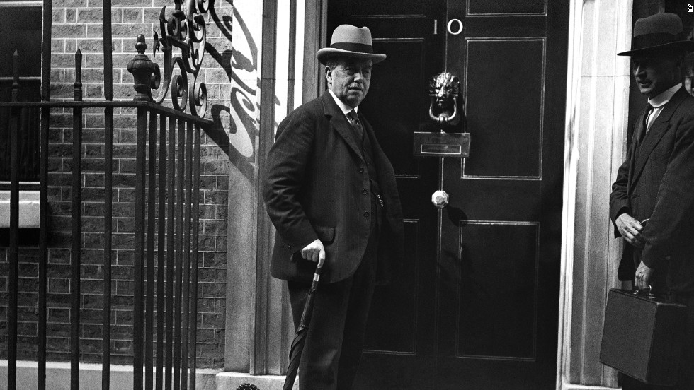 Arthur Henderson, Britain's foreign secretary, arrives at 10 Downing Street in London on August 17, 1931. Henderson won the Nobel Peace Prize in 1934.
