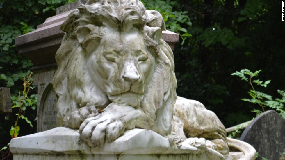 Stroke his paw for luck -- he won't bite. The beautiful stone-carved creature commemorates menagerist Frank Bostock, who traveled the world with big cats, occasionally branching out to camels and hyenas.