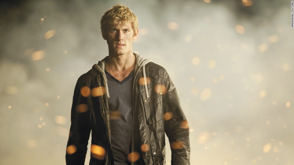 Pittacus Lore's (the pseudonym of James Frey and Jobie Hughes) science fiction series seemed like the perfect material for a film in 2011. But the sequel was shelved. However, Alex Pettyfer strikes again.