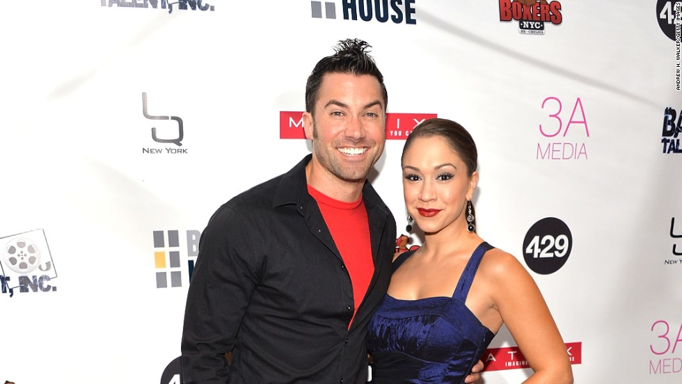 "Ace Young and Diana DeGarmo were contestants on ""American Idol"" during different seasons, but they returned to the show in 2012, and he <a href=""http://www.people.com/people/article/0,,20598119,00.html"" target=""_blank"">proposed on live TV.</a>"