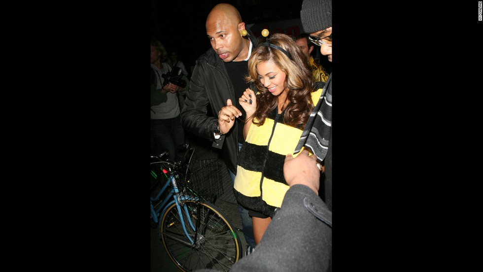 "Beyonce buzzes about as a ""Queen Bee"" (get it?) in New York City on October 31, 2011."