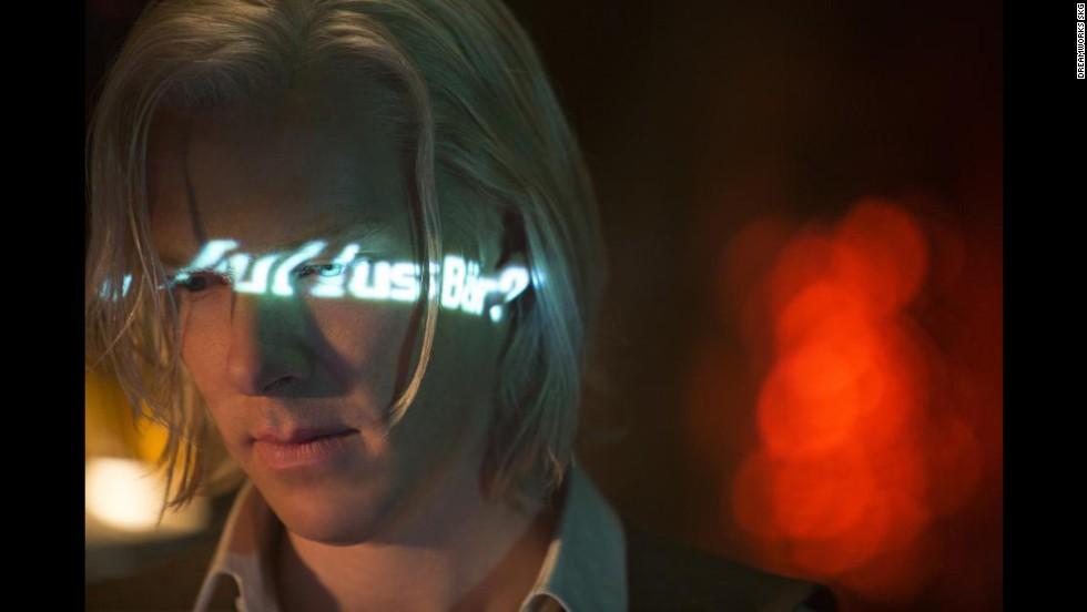 """The just-released <strong>""""The Fifth Estate""""</strong> had a rising star -- Benedict Cumberbatch -- a good director and a topical plot, but it hasn't paid off with audiences or many critics."""