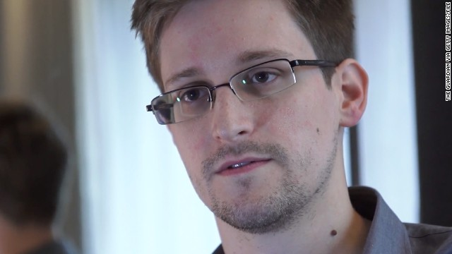 Edward Snowden responds to CNN