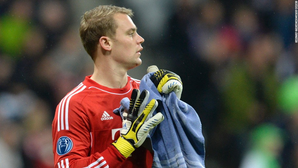 <strong>Manuel Neuer</strong> (Bayern Munich & Germany) <strong><br />CNN rating: </strong>Longshot <br />Neuer's class is unquestionable, however no goalkeeper has ever won the award. Neuer's contributions during the 2012-13 campaign, which included a standout performance in the Champions League final against Dortmund, will not be enough to lift him above Messi, Ronaldo et al in the final ballot.