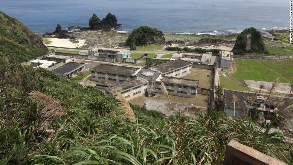 Off the southern coast of Taiwan, Green Island attracts Taiwanese tourists. The island once housed a penal colony for political prisoners. The prison is still there, and the island is said to be haunted by those who were killed during the White Terror period of political suppression (1949-1987).