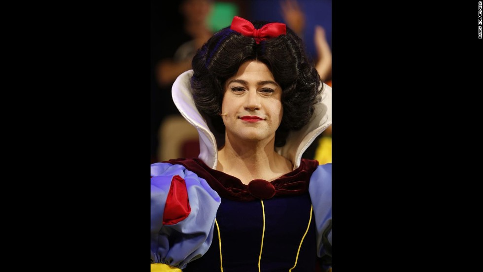 "Jimmy Kimmel got his guys on the Halloween episode of his late night show ""Jimmy Kimmel Live"" to dress as Disney princesses. His Snow White was on point."